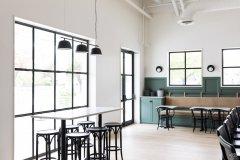 """奥斯汀餐厅汉克的特色""""极简沙漠现代""""室内设计"""
